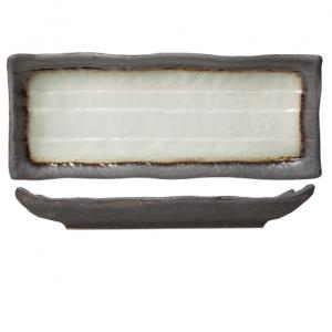 Fuente japonesa rectangular modelo stone 28x11 cm. Una de las colecciones especiales, estilo japonés de la marca cosy and trendy. Una combinación inmejorable de color y forma. Por un lado los colores claro y oscuro proporcionan un perfecto contraste. Por otro lado, el relieve ondulado le da un toque distinto, se puede presentar cualquier tipo de comida. Visualiza comida japonesa...como el sushi o wagyu, incluso tailandesa como el pad thai, el plato de cerdo satay o una ensalada de papaya... Es un producto fácil de apilar, válido para lavavajillas. Pídenos una muestra, se la enviaremos sin ningún compromiso. Plazo de entrega según fabricación, solo en península, para otros destinos le informaremos. Puede darse de alta,para descargar los catálogos.