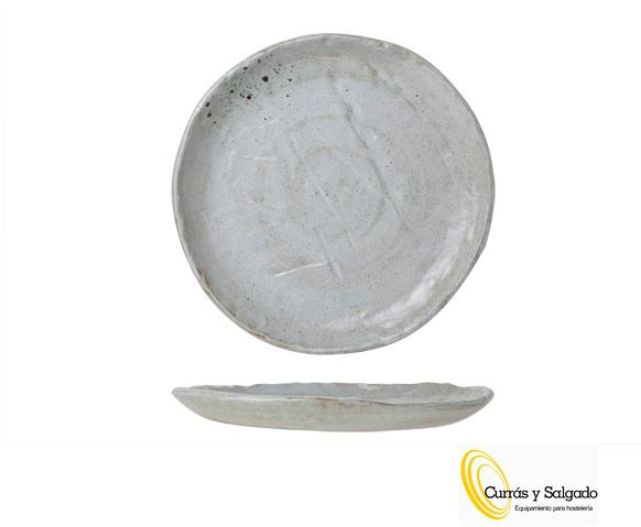 Plato llano redondo rústico blanco modelo dolmen medida 27 cm. Este plato mide 27 cm con toque rústico. Es uno de los productos estrella de la marca cosy and trendy. Puede darse de alta para descargar los catálogos y ver todas sus piezas. La vajilla está compuesta por otro plato postre, hondo, un bol y dos fuentes 19x11x5cm y 27x17x7cm. Es estilo rústico, como se puede ver en la foto, tiene bastante grosor, de color blanco y agrietada imitando a las piezas de la antigüedad. Al tener esta forma y diseño, quedara muy bien la presentación de los alimentos.. Es una vajilla muy dura, fácil de apilar y muy manejable para el trote diario. Es válida para lavavajillas, microondas y golpes de horno en el horno. Pídenos una muestra y se la enviaremos. Plazo de entrega según fabricación, sobre dos semanas, pregúntanos puede variar el plazo de entrega. La entrega solo se hace en península, para otros destinos le informaremos. Puede darse de alta para descargar los catálogos.