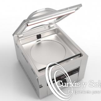 Máquina de vacio tecvak 30cm con sistema Intelligent Vacuum. Maquina de vació con un sistema especial. Fabricado en acero inoxidable, para el uso diario sin ningún problema. El sellado tiene que ser perfecto:https://www.wordreference.com/definicion/sellado Con barra de sellado de 30 cm y bombas de vacío DVP de 6 litros por minuto. Sin apenas mantenimiento y de muy fácil limpieza, permite sellar varias bolsas a la vez. Es una de las mejores máquinas pequeñas de vacío con cámara del mundo. Escoja entre el voltaje europeo (230V) o americano (115V). El sistema Inteligente Vacun proporciona a las envasadoras TekVac por sensor con un envasado inteligente que ajusta automáticamente el vacío óptimo para cada producto. El vació, hoy por hoy, tiene que ser perfecto para conservar totalmente los alimentos. El problema de tener una buena maquina de vació es que sis son baratas, no son buenas, sellan mal y el producto se pudre. Este tipo de aparatos, son indispensables en cualquier tipo de restaurantes de nivel. Con este sistema mejora el trabajo diario de los chefs. Plazo de entrega sobre una semana en península, para otros destinos le informaremos. Puede darse de alta para descargar los catálogos.